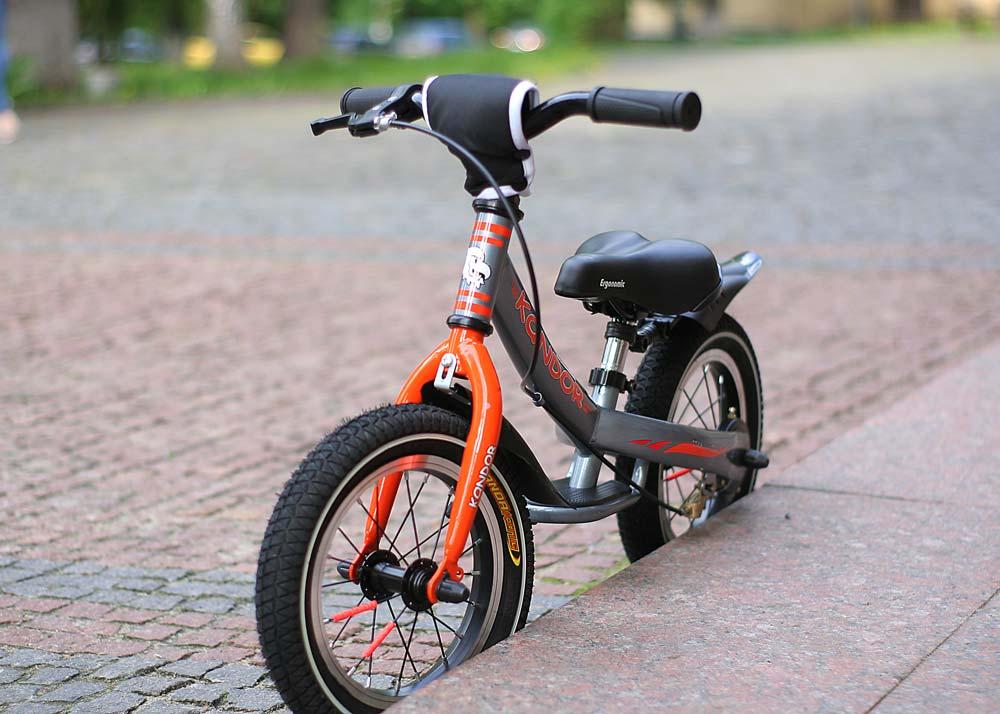 Беговел: детский велосипед без педалей
